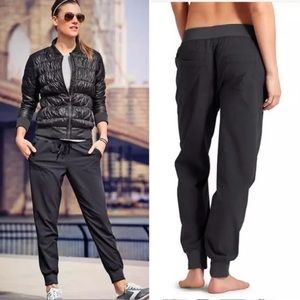 Athleta City Jogger Black Pants Size 8